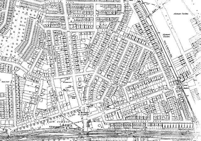 Published in 1915, the map shows that Bedford Park is no longer isolated. The blocks of mansion flats: Bedford Park Mansions, Esmond Gardens, Flanders Mansions and Sydney House have appeared. Tower House has become St Catherine's